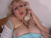 Жирная бабка любит секс по телефону